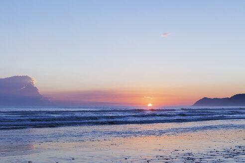 New Zealand, North Island, East Cape region, Te Araroa at sunrise - GWF004773
