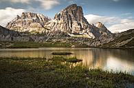Italy, Dolomites, Lago di Lavaredo in front of Cime Passaproto - MKFF000292