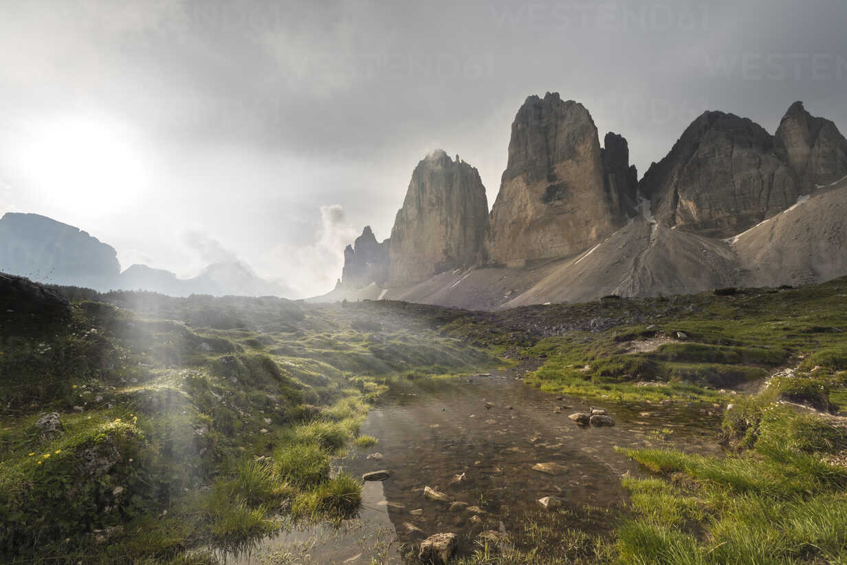 Italy, Dolomites, Tre Cime di Lavaredo in the morning - MKFF000295 - Markus Kapferer/Westend61
