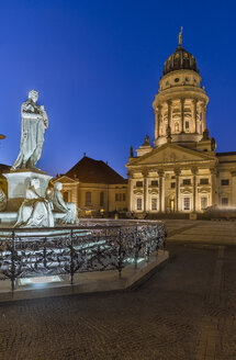 Germany, Berlin, lighted French Cathedral and statue of Friedrich Schiller at Gendarmenmarkt - PVCF000862