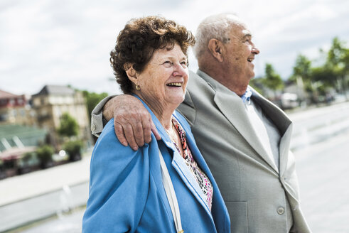 Portrait of happy senior woman with her husband - UUF008068
