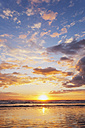 New Zealand, North Island, East Coast sunrise, Bay of Plenty, Waihi Beach at sunrise, South Pacific - GWF004818
