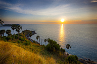 Thailand, Pukhet, view to the sea at sunset - GIOF001307