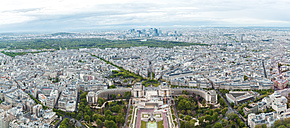 France, Paris, France, Paris, view to the city with Trocadero in the foreground and La Defense in the background - ZEDF000214