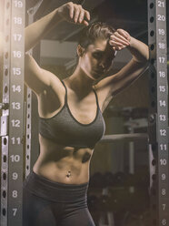 Fitness, woman in gym - MADF001020