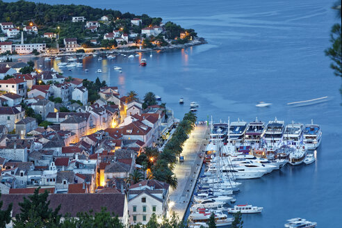 Croatia, Hvar Island, Hvar and harbour in the evening - GFF000682