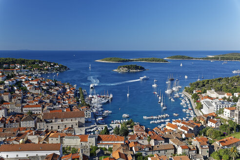 Croatia, Hvar Island, Hvar and harbour - GFF000685