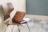 Wooden laptop on chair - RIBF000511