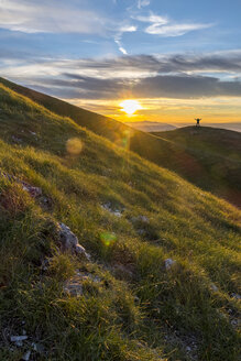 Italy, Umbria, Monte Acuto, Sunset over Umbrian Apennines - LOMF000313