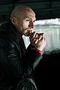 Portrait of pensive man - NGF000358
