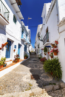Spain, Andalusia, Frigiliana, alleyway - SMAF000514