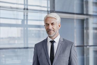 Portrait of confident businessman - RORF000234