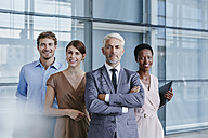 Portrait of confident business team - RORF000243