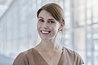 Portrait of smiling businesswoman - RORF000249