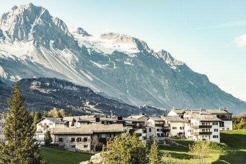 Switzerland, Grisons, Swiss Alps, Parc Ela, mountain village - CSTF001123