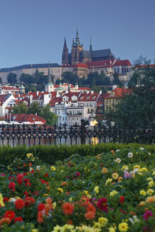 Czech Republic, Prague, Prague Castle and St. Vitus Cathedral, Vlatva river - GFF000732