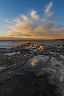 Australia, New South Wales, Maroubra, coast in the evening - GOAF000034