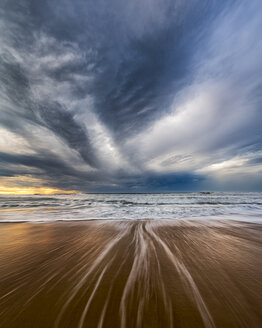Australia, New South Wales, Sydney, Tasman Sea, beach, dramatic sky - GOAF000043
