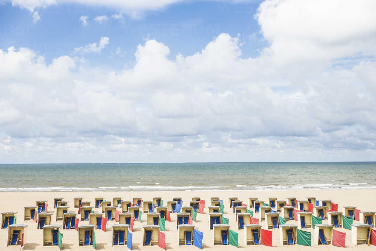 Netherlands, Zeeland, empty beach huts at low season - CHPF000284 - Christophe Papke/Westend61