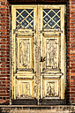 Finland, Helsinki, Uspenski Cathedral, old wooden door - CSTF001160