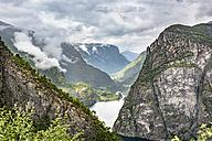 Norway, Hordaland, Eidfjord, View of Simadalsfjord - CSTF001181