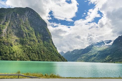 Norway, Sogn og Fjordane, Oldevatnet lake in Oldedal - CSTF001193