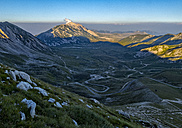 Italy, Abruzzo, Gran Sasso e Monti della Laga National Park, Mt Camicia and plateau Campo Imperatore at sunset - LOMF000346