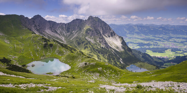 Germany, Bavaria, Allgaeu, Allgaeu Alps, Upper and Lower Gaisalp lake, Gaisalphorn and Rubihorn - WGF000940