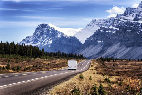 Canada, Alberta, Jasper National Park, Icefields Parkways, camper van on the road - SMAF000539