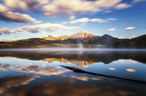 Canada, Jasper National Park, Jasper, Pyramid Mountain, Pyramid Lake in the morning - SMAF000563