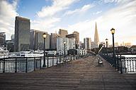 USA, California, San Francisco, Pier 7 in the evening - EPF000142
