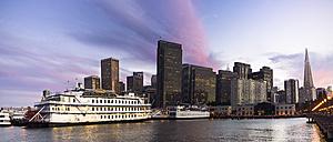USA, California, San Francisco, Skyline, Pier 7 at sunset - EP000149
