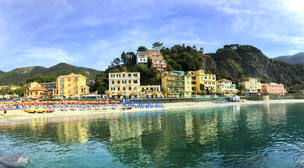 Italy, Cinque Terre, Monterosso - JLRF000072