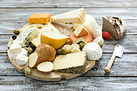 Cheese platter with different sorts of cheese - MAEF011966