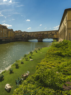 Italy, Florence, view to Ponte Vecchio - OP000121