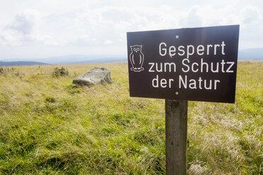 Germany, Harz, Brocken, prohibition sign - NDF000593