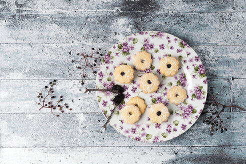 Cookies with elderberry jelly - MYF001772