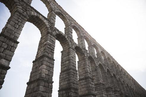 Spain, Segovia, part of Roman aqueduct - ABZF001207