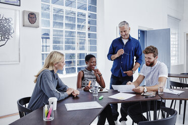 Business people having a meeting - RORF00276
