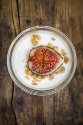 Greek yogurt with granola and figs - LVF05310