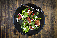 Mixed salad with goat cheese, pomegranate seeds and figs - LVF05316