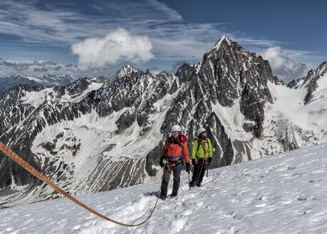 France, Chamonix, Alps, Petit Aiguille Vert, mountaineers - ALRF00708
