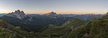 Italy, Dolomites, panoramic view of Monte Pelmo, Civetta and Marmolada at sunrise - LOMF00401