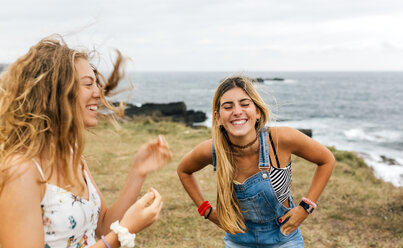 Two best friends having fun at the coast - MGOF02446