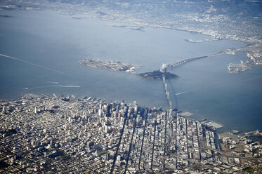 USA, California, view out of plane window on San Francisco - BRF01354