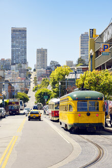 USA, California, San Francisco, historical tram on Jones Street - BR01375
