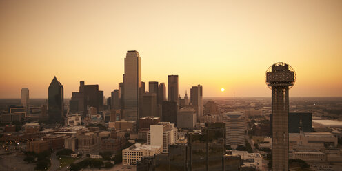 USA, Texas, Aerial photograph of the Dallas skyline at sunrise - BCDF00059