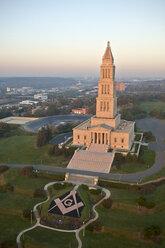 USA, Virginia, Aerial photograph of the George Washington Masonic Memorial in Alexandria - BCDF00116