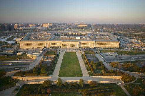 USA, Virginia, Arlington, Aerial photograph of  the eastern entrance of the Pentagon - BCDF00119