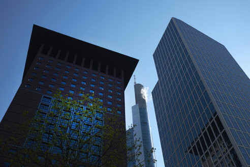 Germany, Frankfurt, modern skyscrapers at financial district - BSCF00539